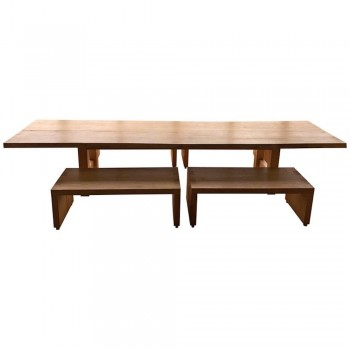 Importante Table de salle à manger et quatre bancs, Bois